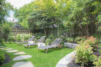 outdoor lawn at 26 pleasant street in downtown nantucket