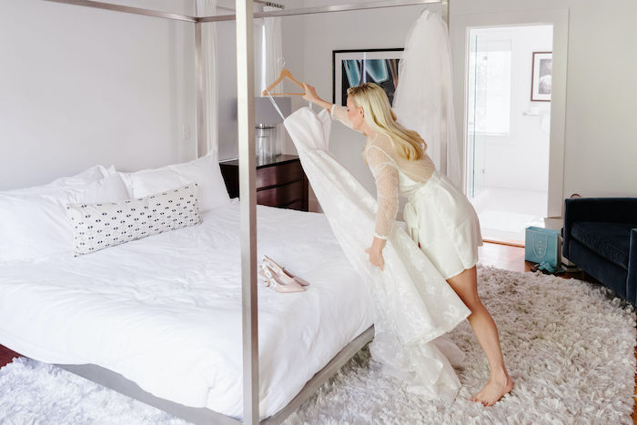 bride getting ready at nantucket home