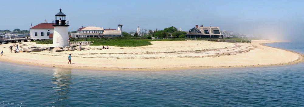 nantucket beach lighthouse